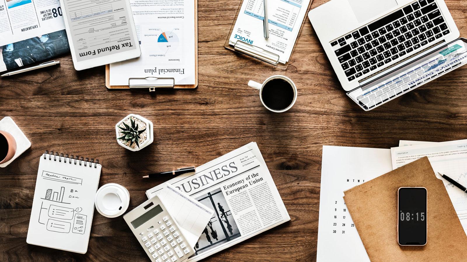 branding-desk-table